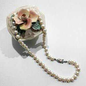 Genuine vintage akoya 16 inch pearls